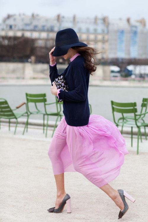 Street style - navy & pink